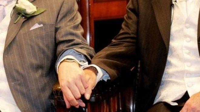 Церква Шотландії проголосувала за одностатеві шлюби духовенства