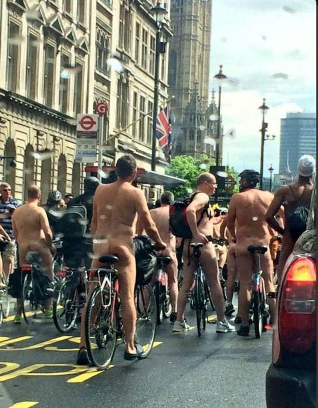 У Лондоні парад голих велосипедистів